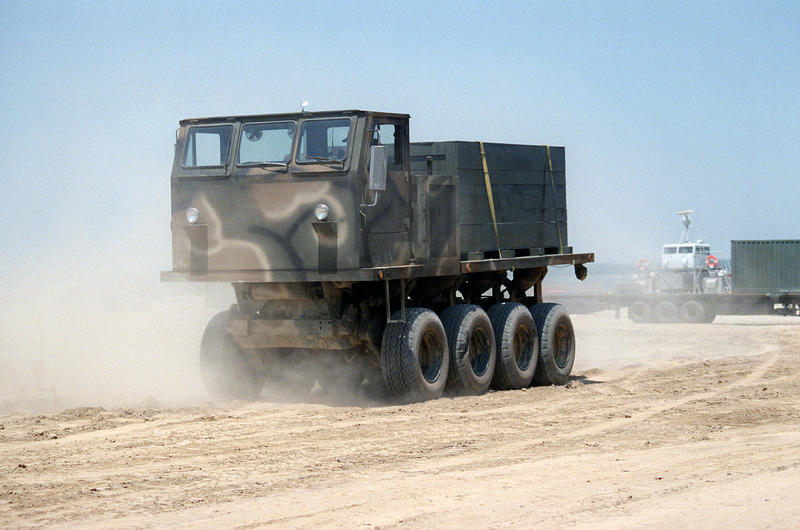 Name:  Unidentified_rough_terrain_truck,_1985.jpg